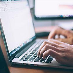 Обязанности контент-менеджера: приличный заработок на дому