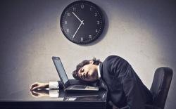 Чем дольше сон в выходные, тем сильнее утомление в будние дни